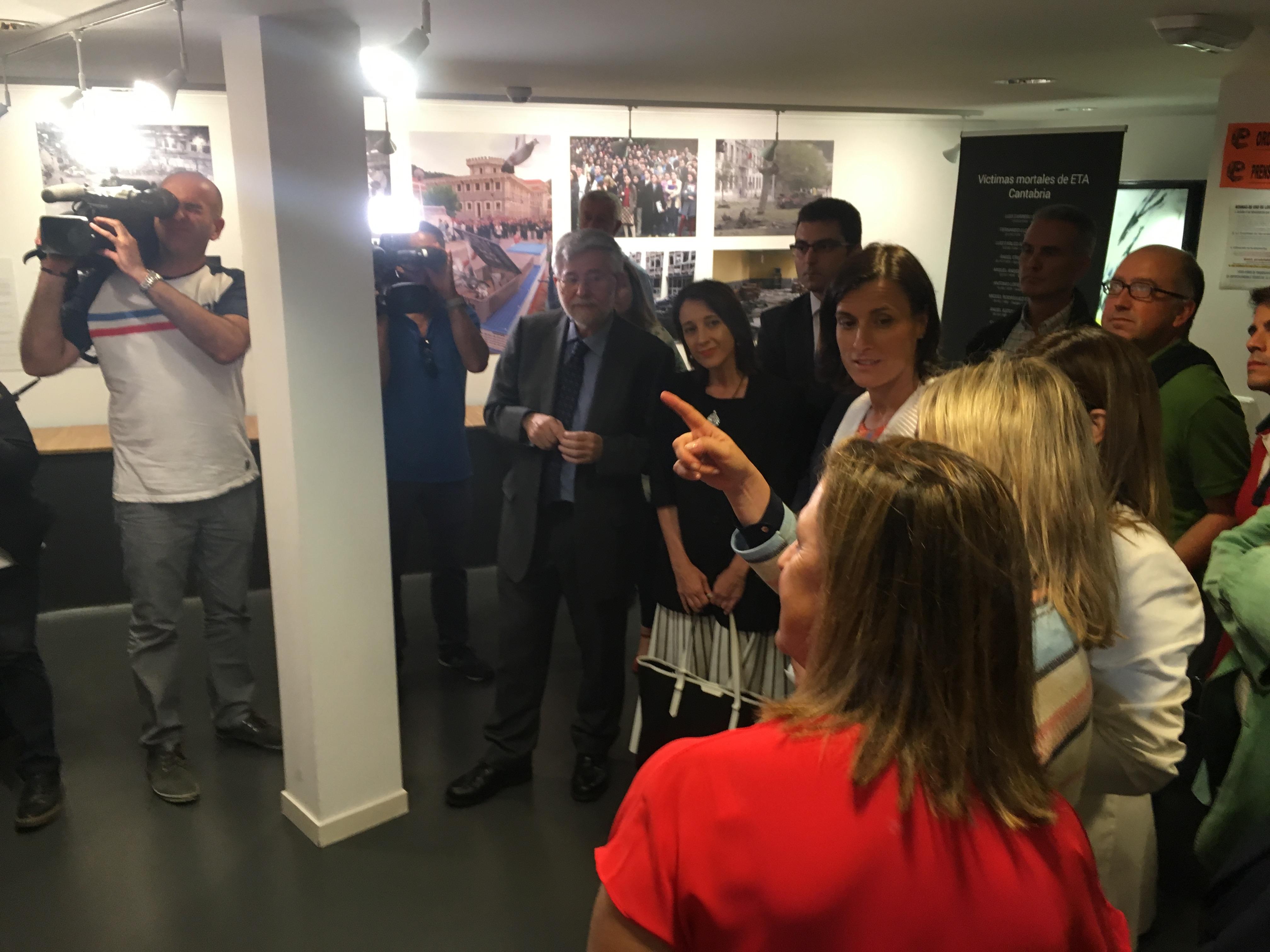 """Exposición """"De Hipercor A Ermua"""" En El Espacio Joven Santander"""