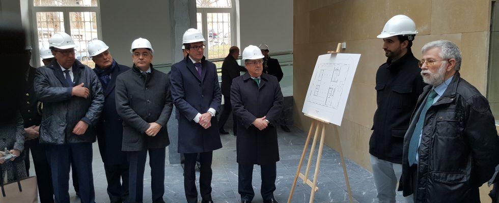 Visita Del Ministro Del Interior A Las Obras Del Memorial